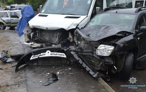 На Волыни в ДТП попал микроавтобус, шесть пострадавших