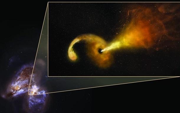 Астрономы показали черную дыру, поедающую звезду