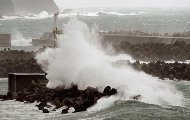 На Японию обрушился мощный тайфун Гаеми