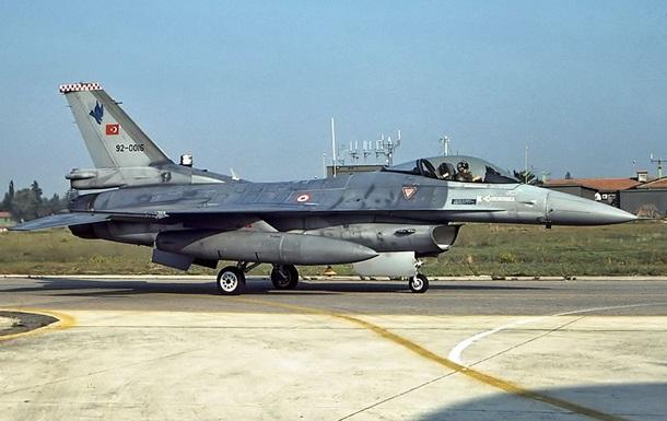 ВВС Турции ударили попозициям курдов вИраке