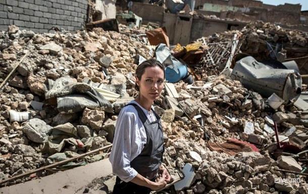 Анджелина Джоли посетила город Мосул в Ираке