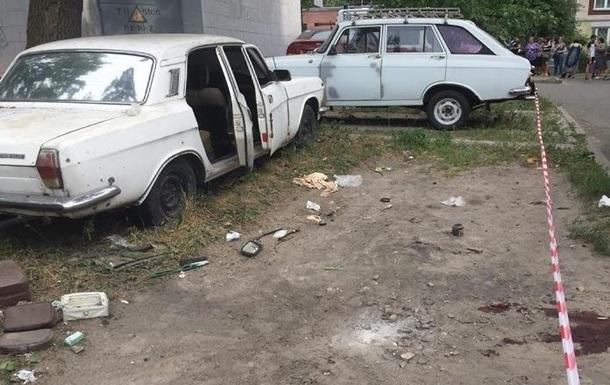 Взрыв авто в Киеве: владелец уверяет, что хотел выбросить гранату