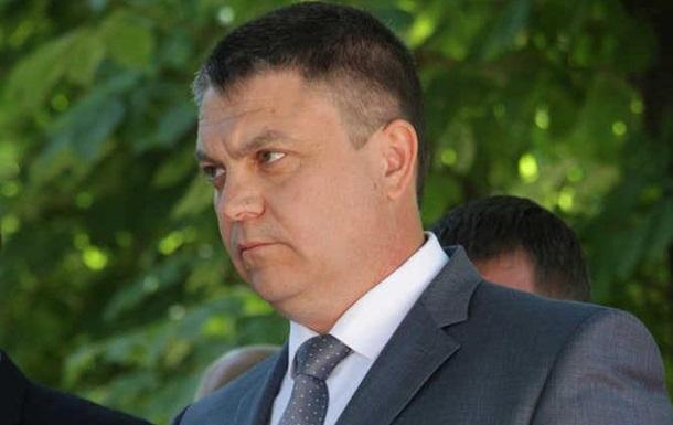 Возле памятника «Жертвам авиаудара» Пасечник сверкнул часами за 277 000 рублей