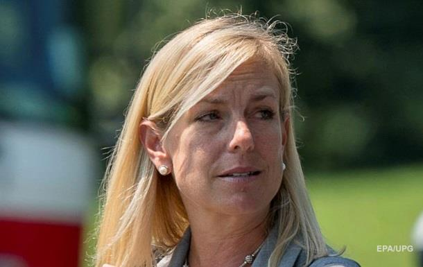 В США министра выгнали из ресторана из-за отношения к мигрантам