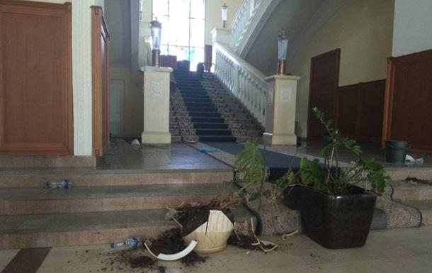 В горсовете Харькова оценили сумму ущерба от беспорядков