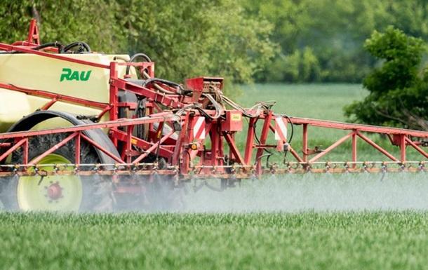 Німеччину звинуватили в забрудненні ґрунту нітратами