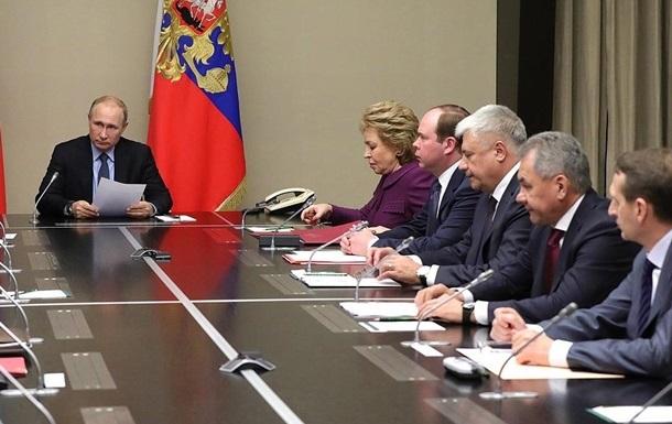 Путин созвал совбез РФ после разговора с Порошенко