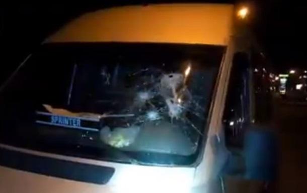 В Киеве расстреляли пассажирский микроавтобус