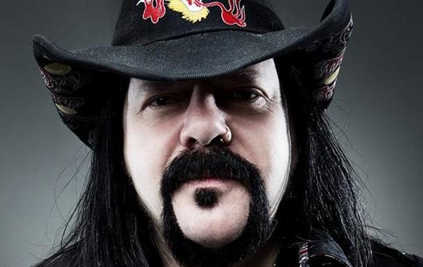 Умер барабанщик и основатель группы Pantera