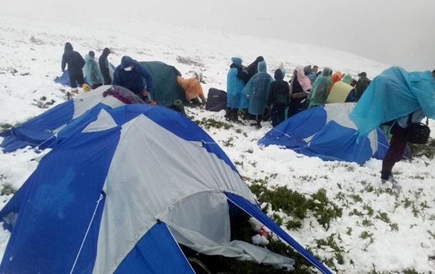 Евакуація туристів у Карпатах: з