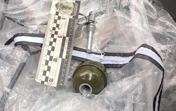 У Львові в машину активіста кинули гранату
