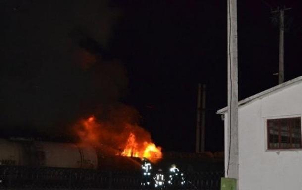 В Ровно горел грузовой поезд с дровами