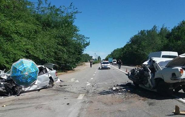 Под Запорожьем в ДТП погибли три человека, еще двое травмированы