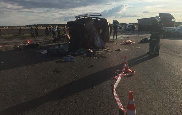 В Ровенской области три человека погибли в ДТП с участием маршрутки