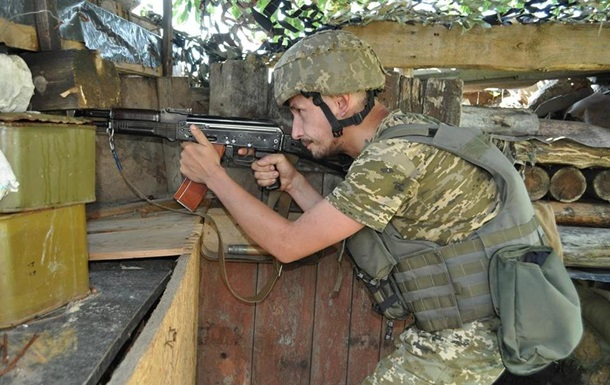 У зоні ООС 24 обстріли, поранений один військовий
