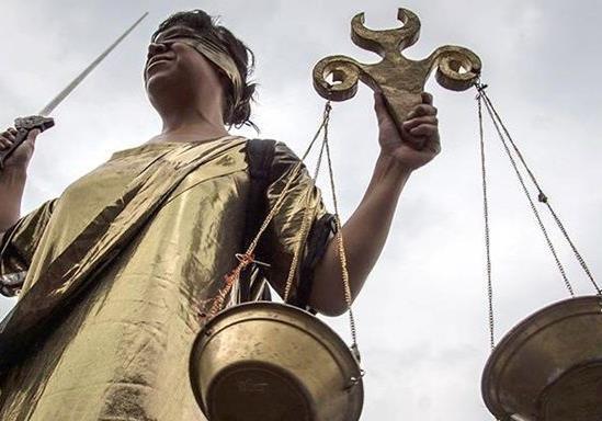 Итоги июня: отказ Иво Бобула от выборов и Антикоррупционный суд