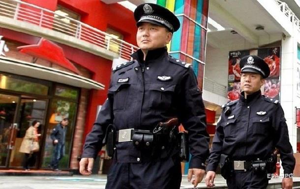 В Китае мужчина напал на школьников, есть жертвы