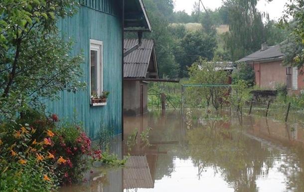 На Прикарпатье подтопило более 200 домов