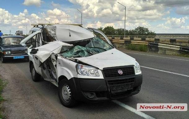 Під Миколаєвом у ДТП постраждали троє дітей