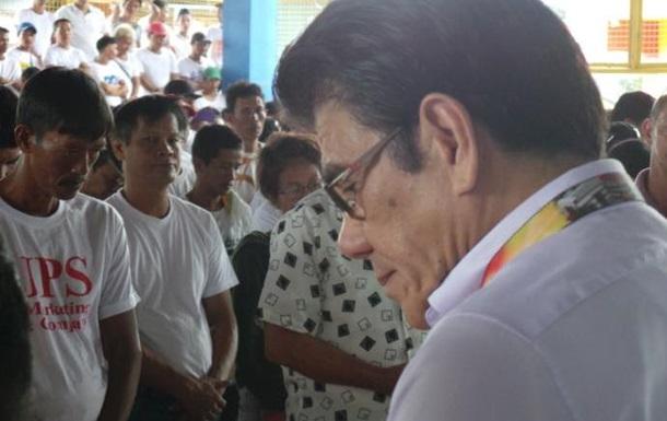На Филиппинах снайпер застрелил союзника президента