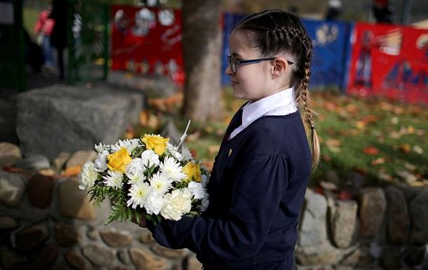 У школах Британії дівчаткам забороняють носити спідниці через права трансге