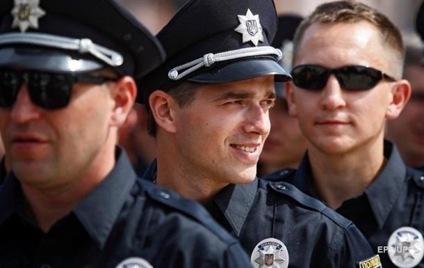 В Украине за пять месяцев уволились 400 патрульных