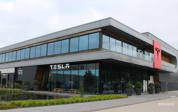 З Tesla пішов головний інженер