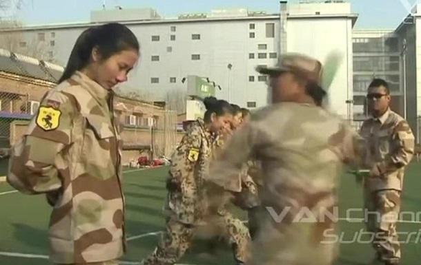Вбивча краса… Китайські дівчата в армії. Світлини. Відео.