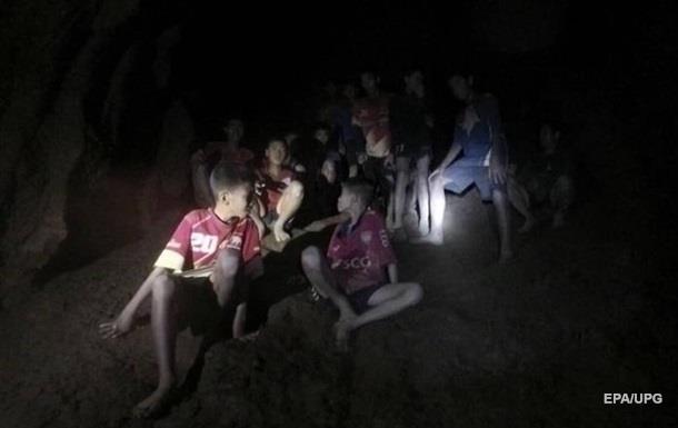 В пещерах нашли детей. Но на спасение уйдут месяцы
