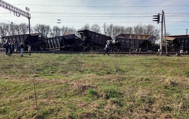 В Одесской области сошел с рельсов грузовой поезд