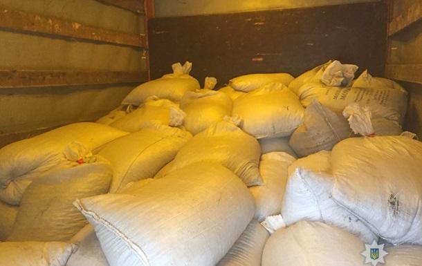 На Житомирщині вилучили дві тонни бурштину