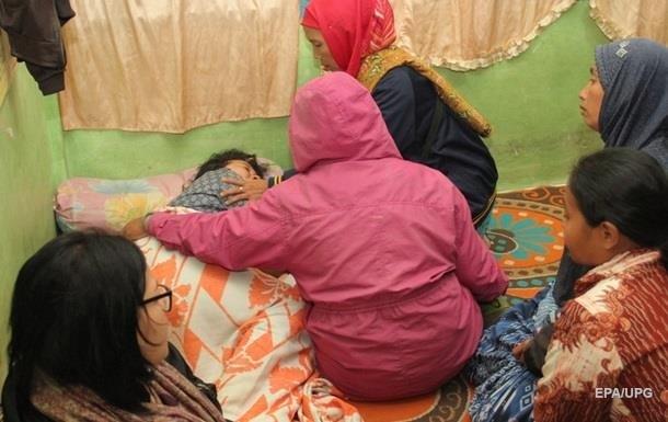 Жертвами крушения парома в Индонезии стали 24 человека