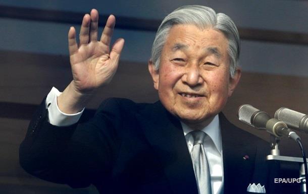 Император Японии идет на поправку