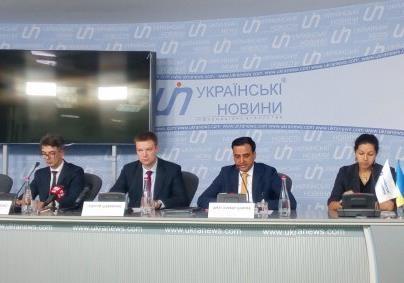 Тисячі українців можуть не отримати візи внаслідок дій податкової міліції