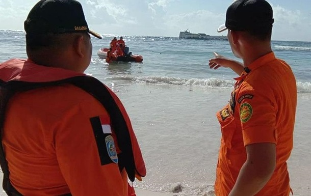 Крушение парома в Индонезии: число жертв увеличилось