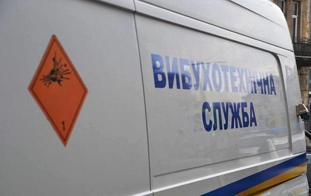У Львові шукають вибухівку по 15 адресах