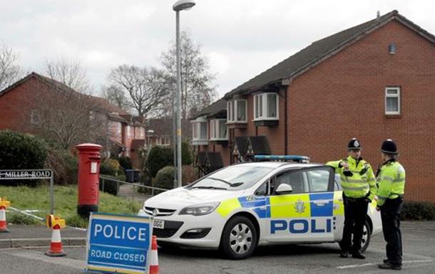 Отравление в Британии: Мэй попала под раздачу