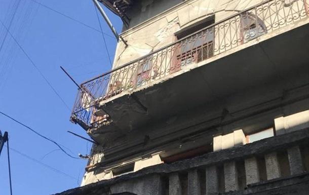 В Ивано-Франковске обрушился балкон, есть пострадавшие