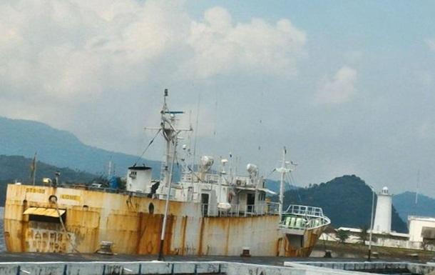 В Україну повертаються затримані в Індонезії моряки