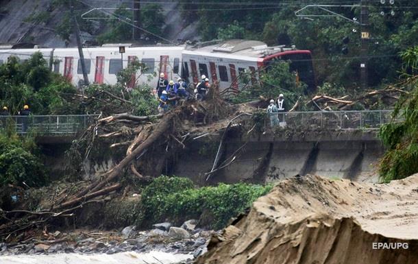 Негода в Японії: кількість загиблих зросла