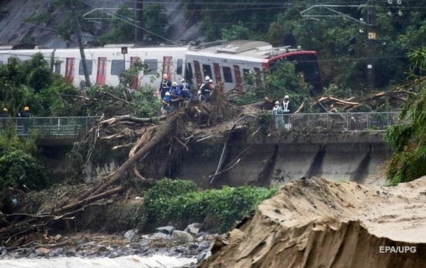 Кількість жертв злив в Японії зросла до 54