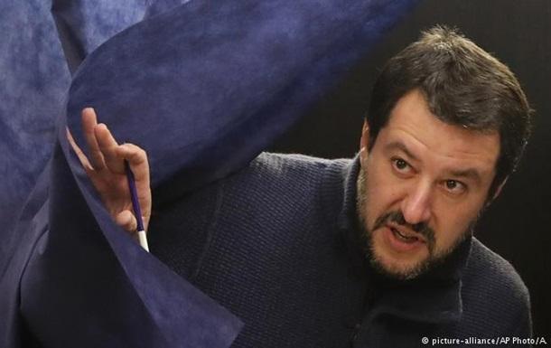 Італія погрожує не приймати кораблі місій ЄС із врятованими мігрантами