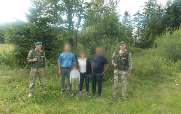 Во Львовской области на границе задержали группу нелегалов из Ирана