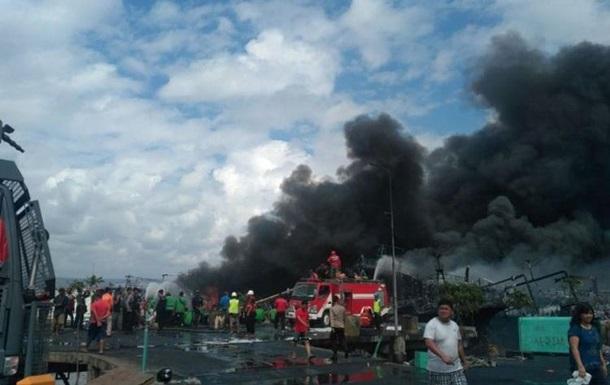 В Індонезії пожежа знищила 40 суден