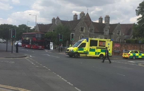 В Солсбери оцепили автобусную остановку из-за потерявшего сознание человека