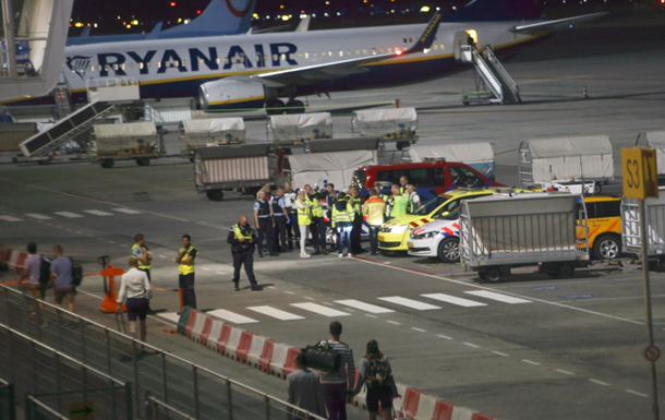 В Нидерландах из-за угрозы взрыва отменили вылет самолета