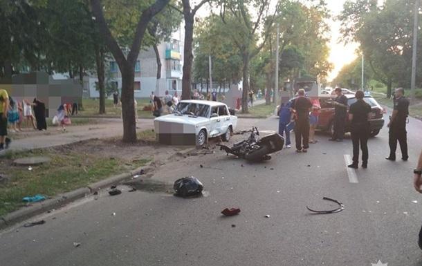 Двоє мотоциклістів загинули внаслідок зіткнення з авто в Харкові