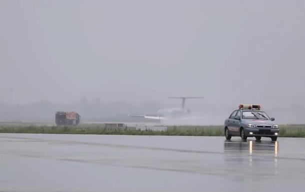 У Борисполі екстрено сів літак