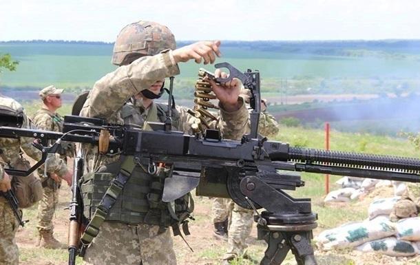 Доба на Донбасі: 17 обстрілів, поранений військовий
