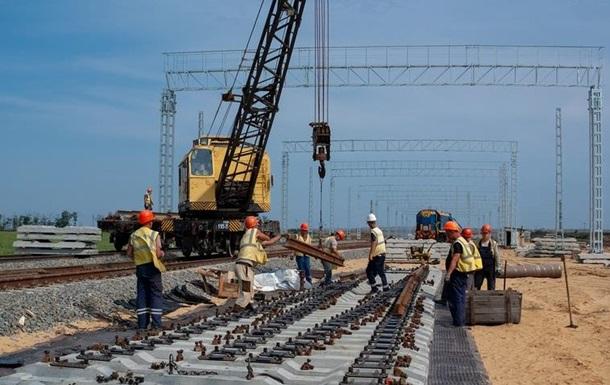 К Керченскому мосту проложили более 80% железнодорожных путей